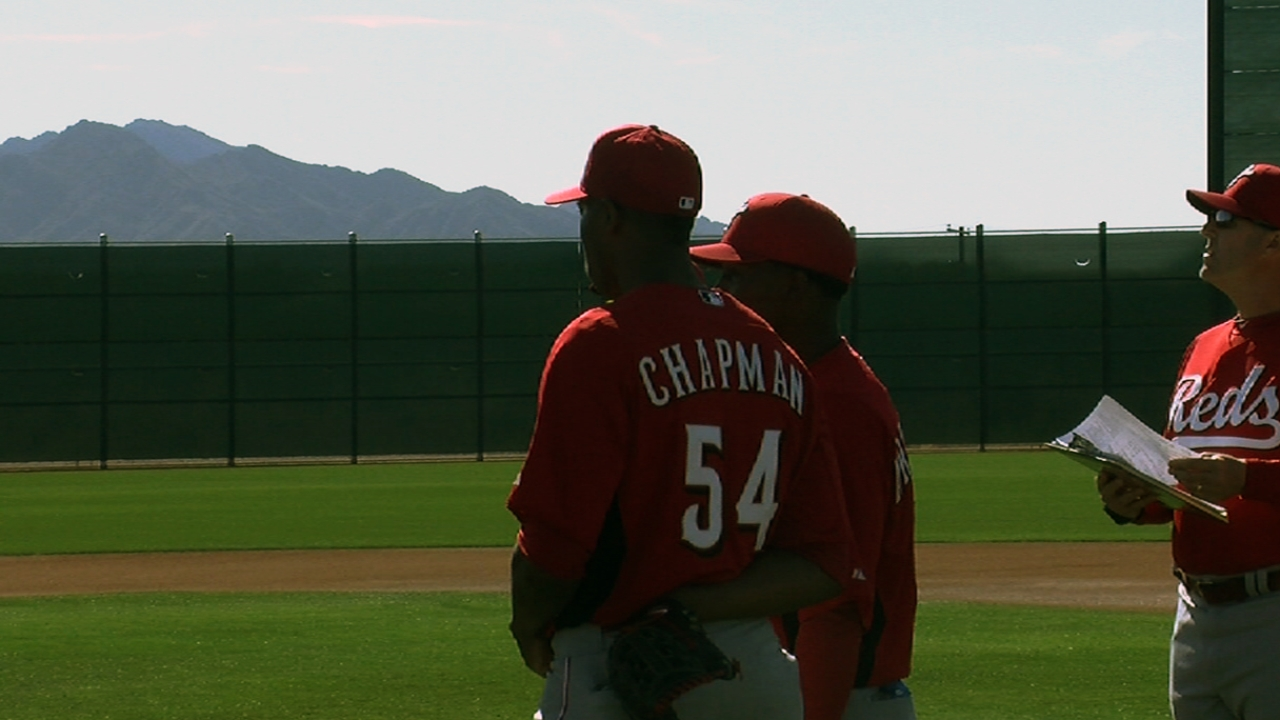 Reds getting closer to decision on Chapman