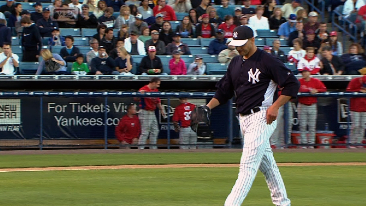 Yankees top Phillies in Pettitte's spring debut