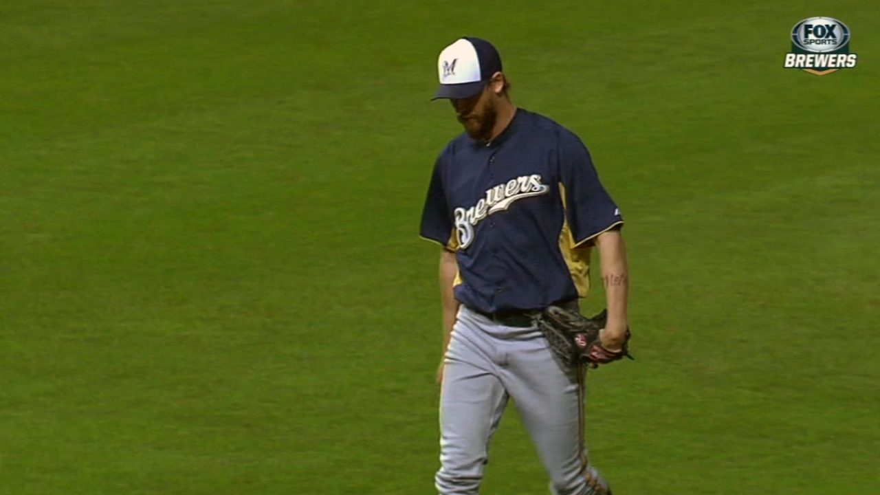 Brewers not ready to restore Axford as closer