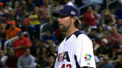 Dickey returns to camp, focused on Opening Day start