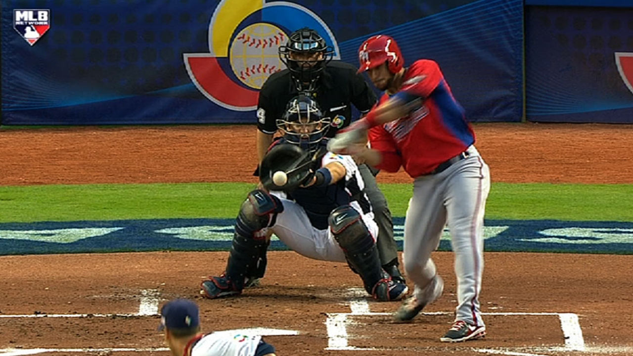 Versatile Aviles clutch in Classic vs. Team USA
