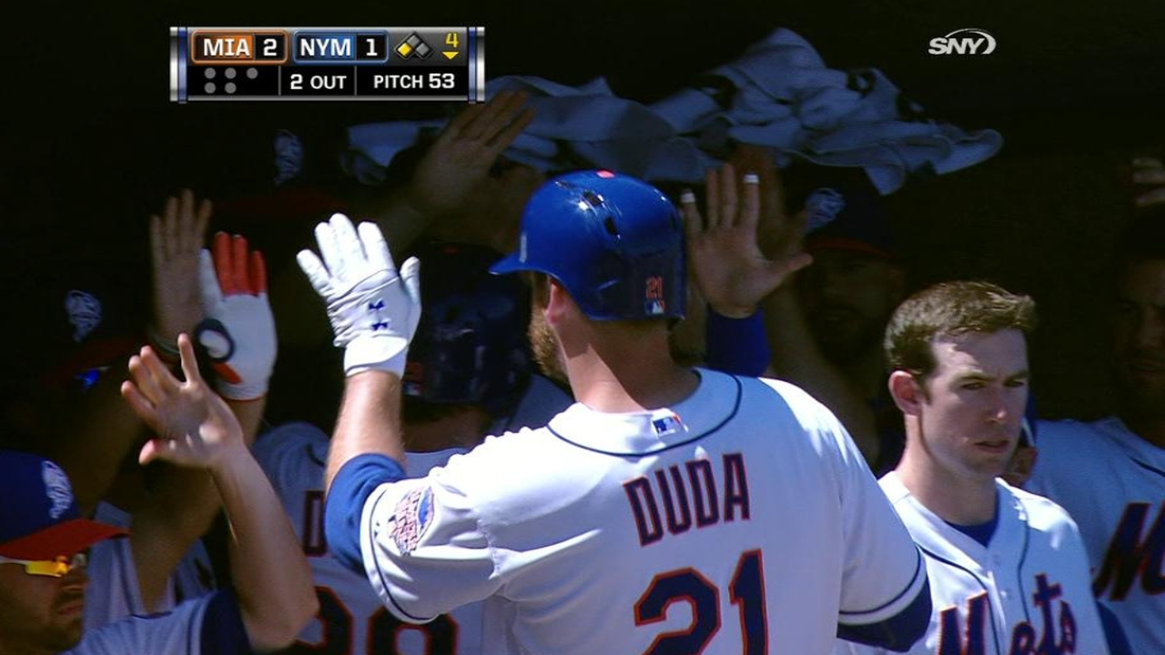 Marcum posts solid outing, but Mets fall