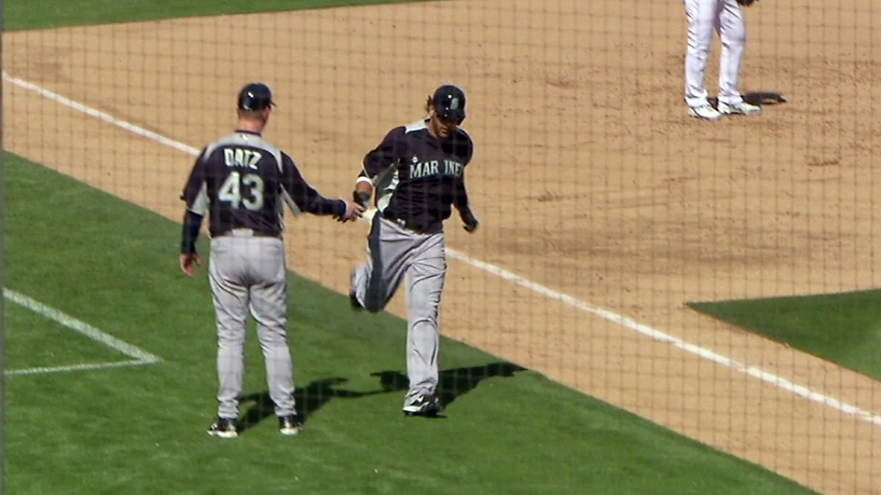 Morse stays hot, helps lead Mariners over A's