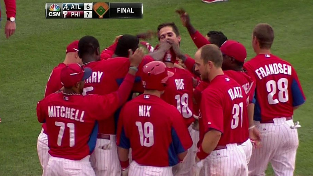 Phillies top Braves with walk-off homer by Ruf