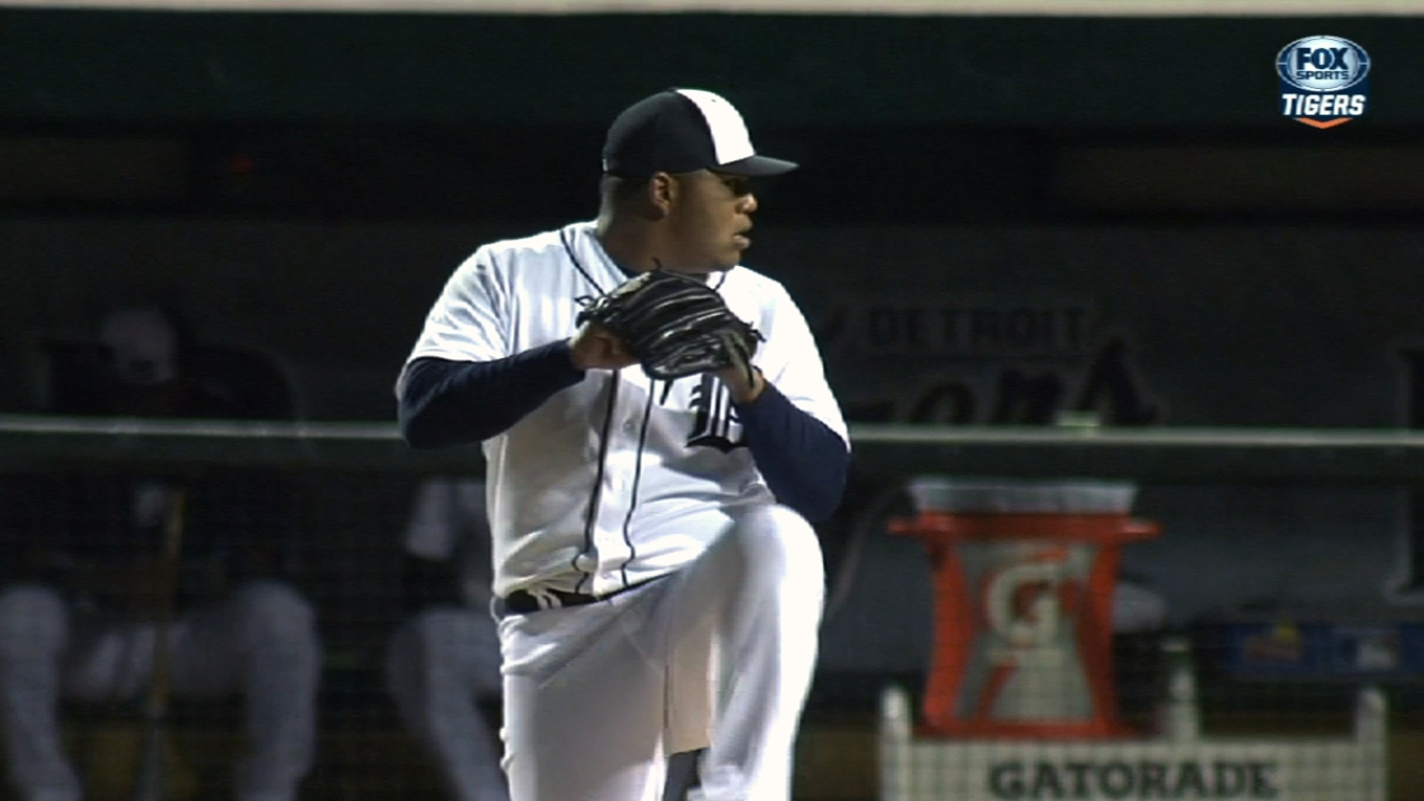 Tigers promote Rondon, place Dotel on DL