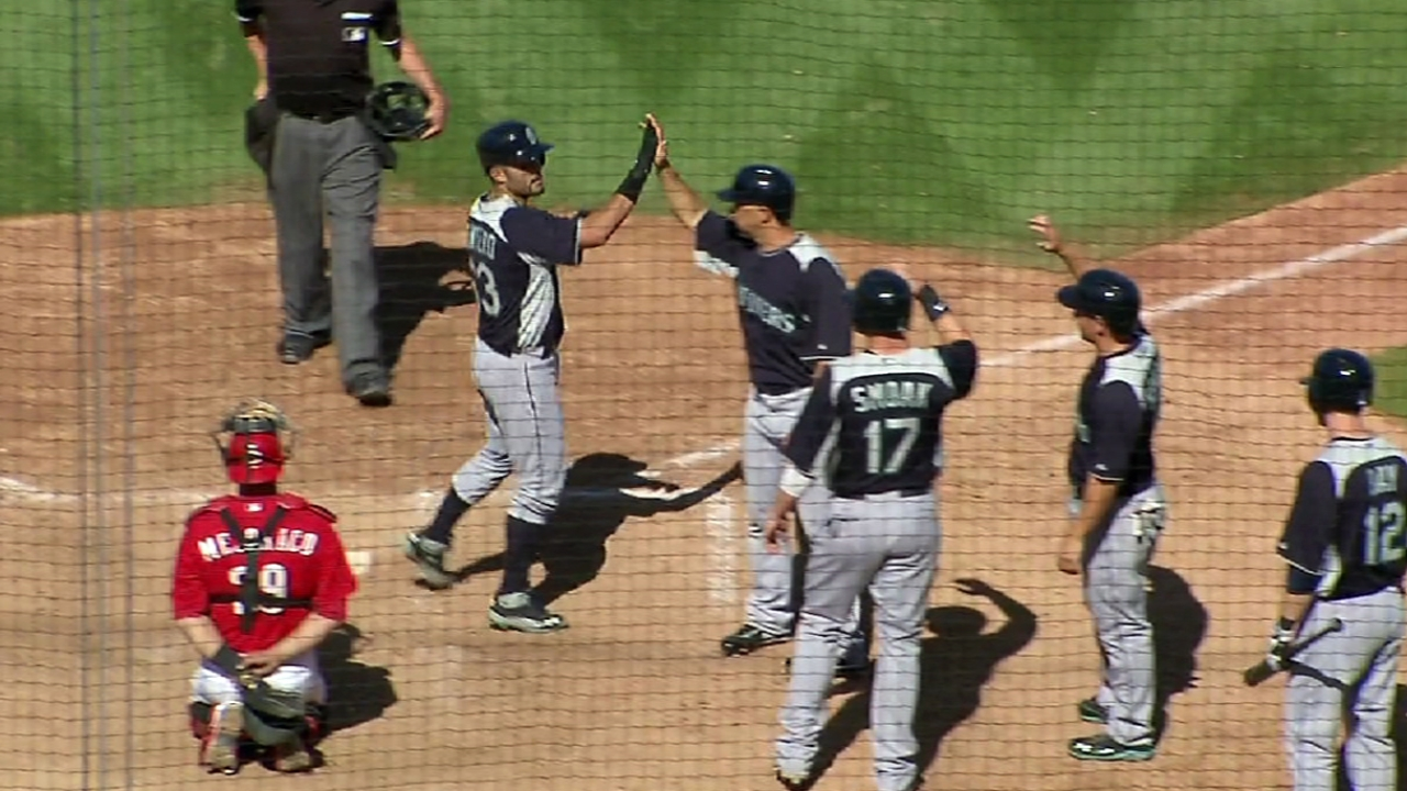 Mariners' fireworks back Maurer in blowout of Reds