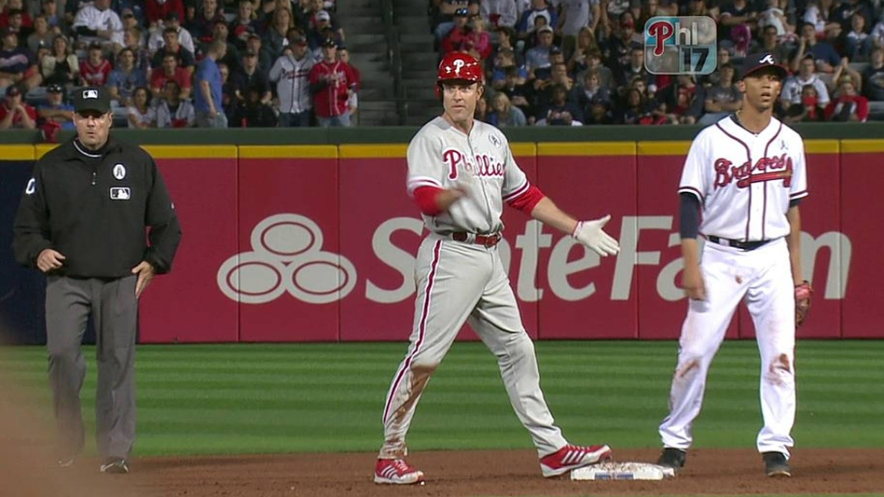 Hamels, Phils unable to stifle Braves' power game