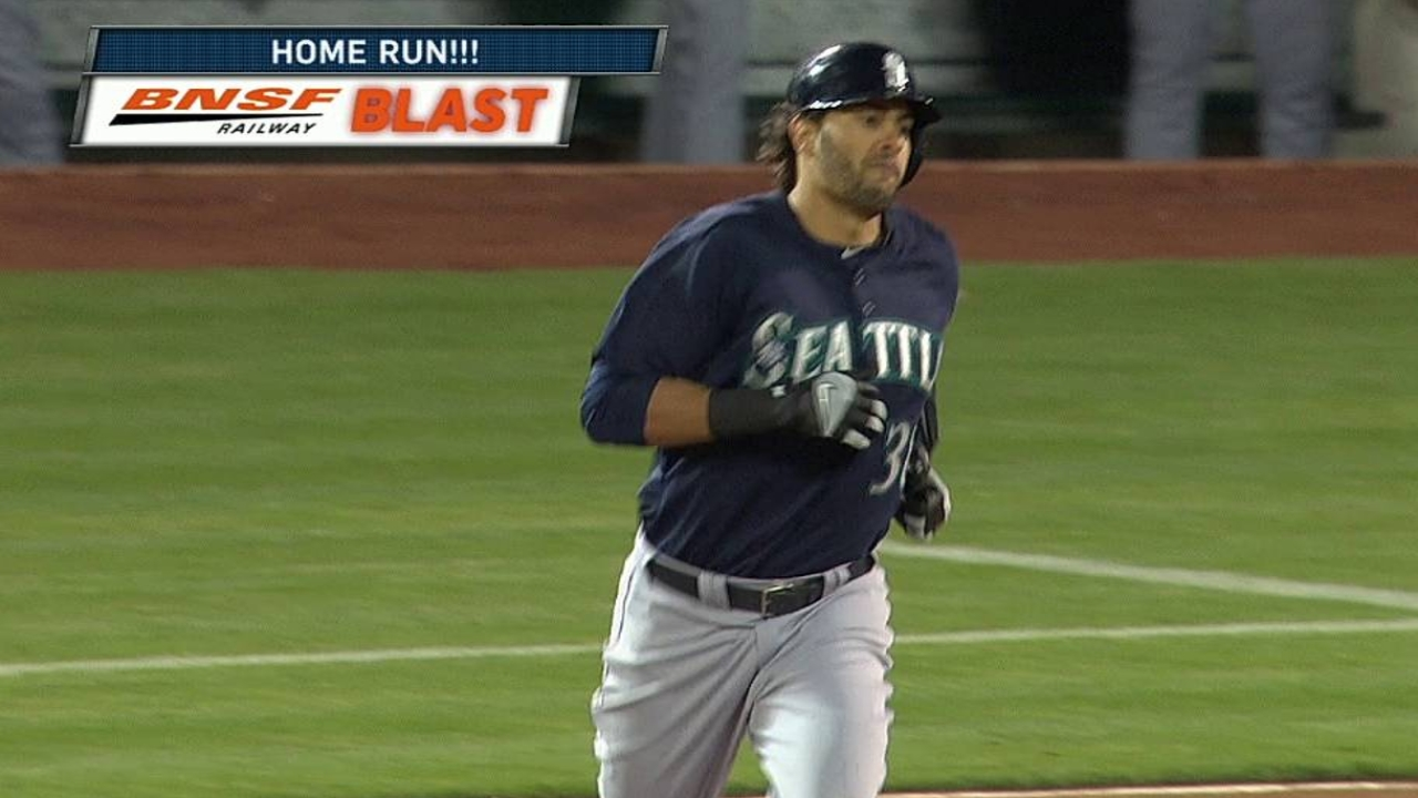 Morse's moon shots mean victory for Mariners