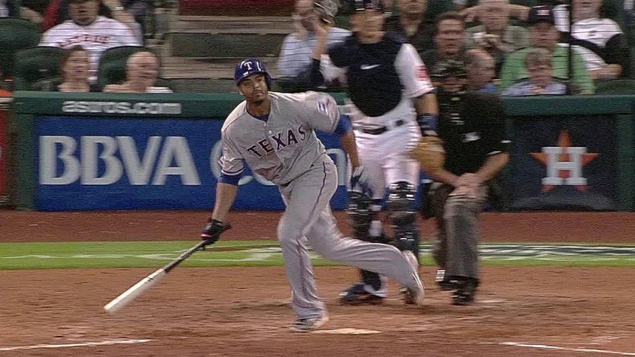 Ogando y los Rangers blanquean a los Astros