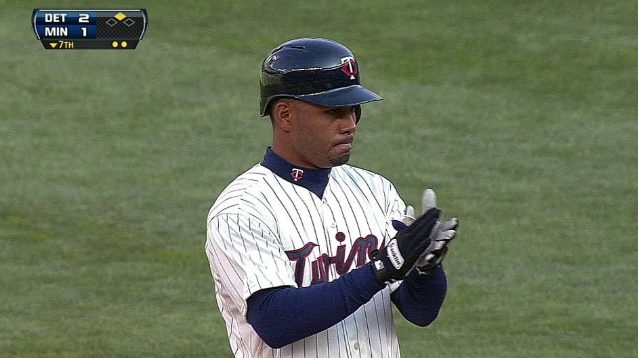 Twins to place outfielder Ramirez on paternity list