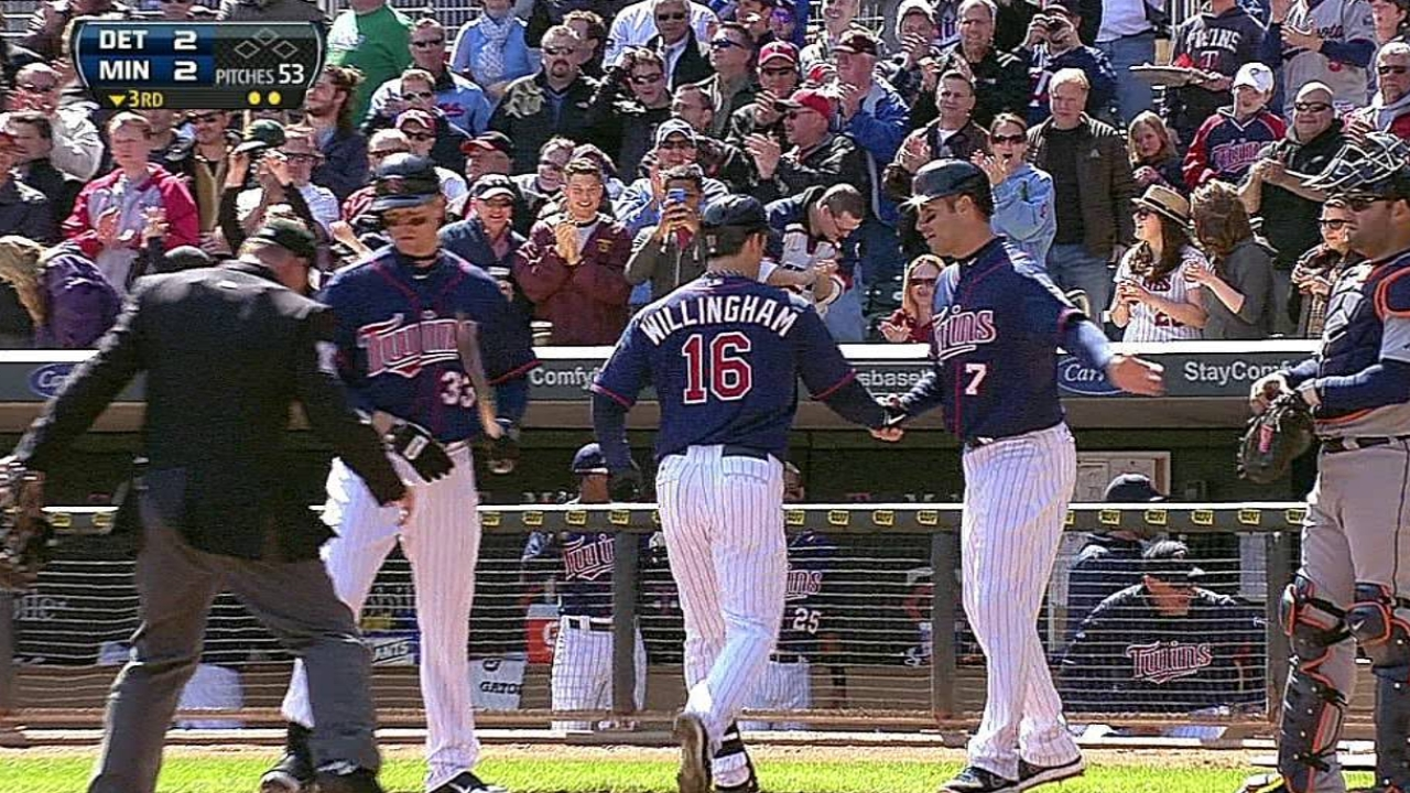 Willingham, Plouffe back Pelfrey's win in Twins debut