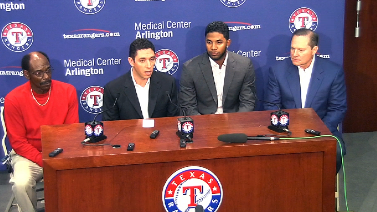 Andrus excited to commit to Rangers long term