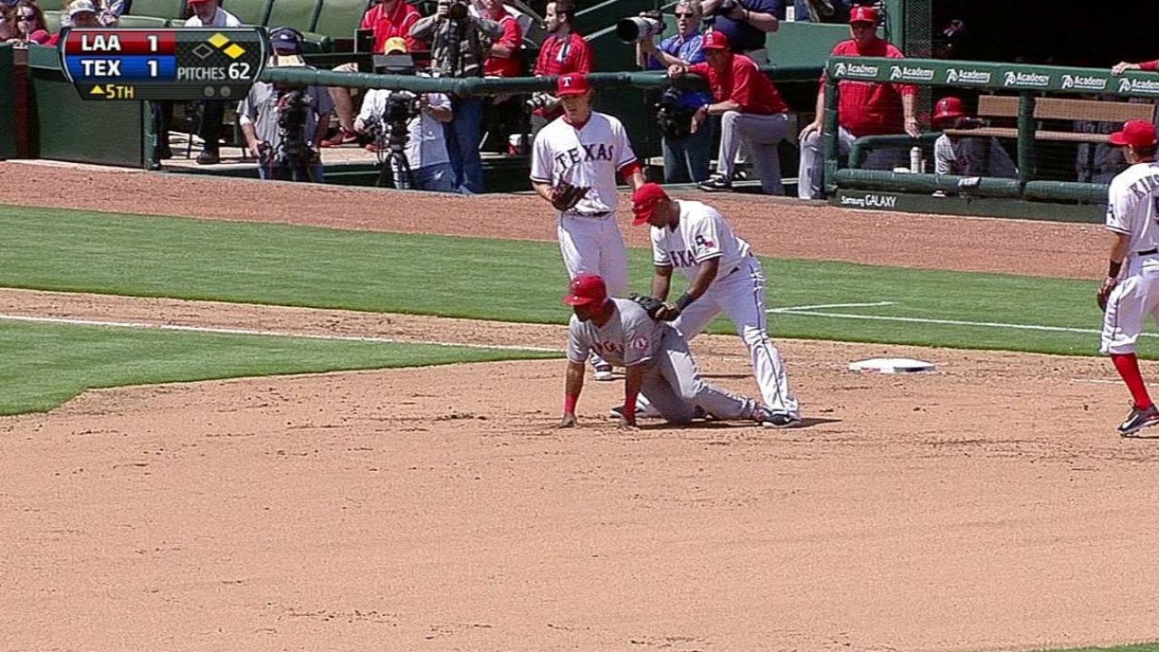 Pickoff play proves key for Rangers
