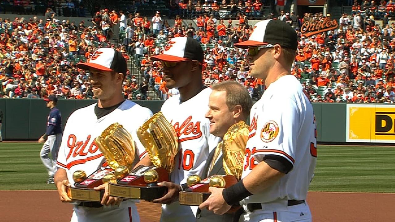 Hardy, Jones, Wieters receive Gold Gloves