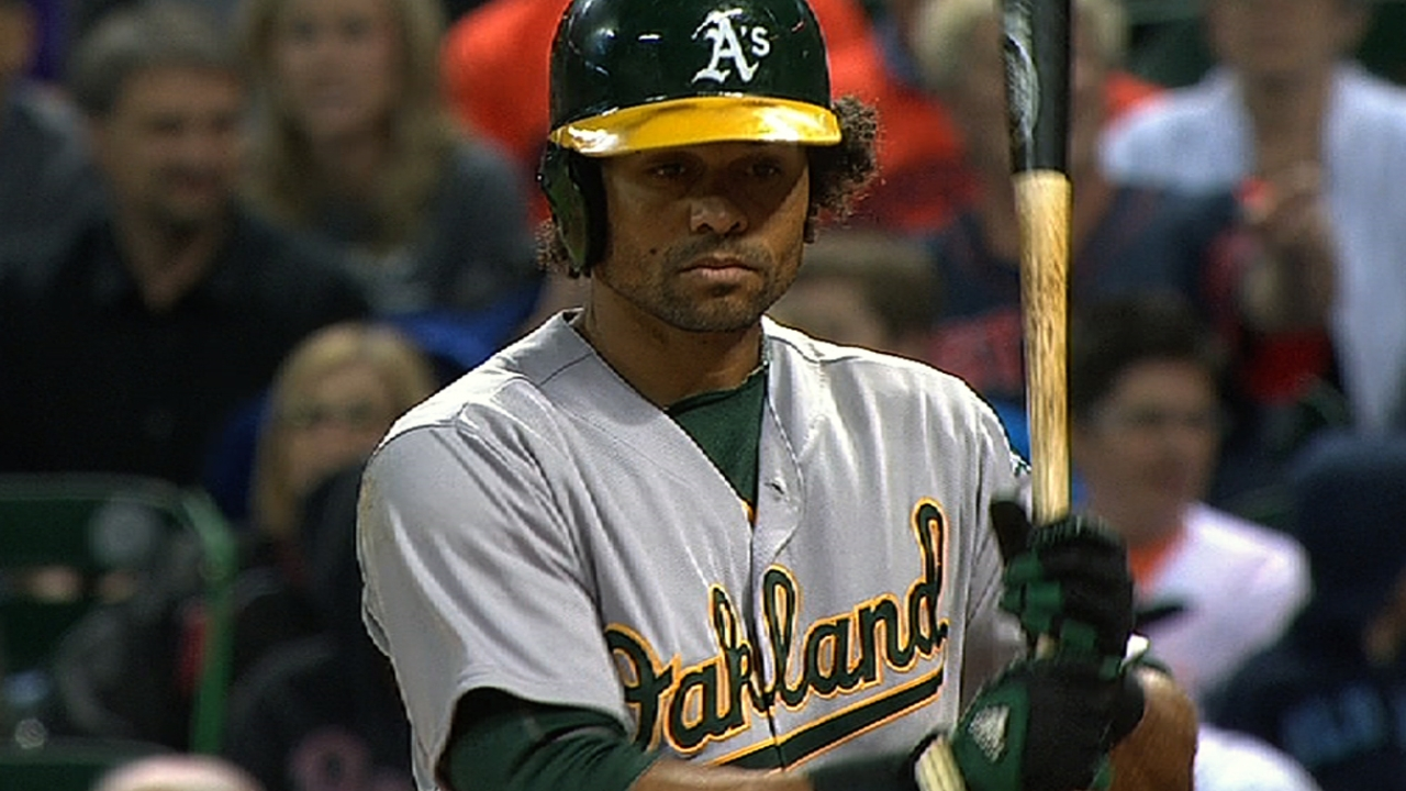 Crisp impulsa a Oakland en su triunfo ante Astros