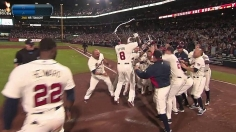 Uptons homer in ninth for wild walk-off win