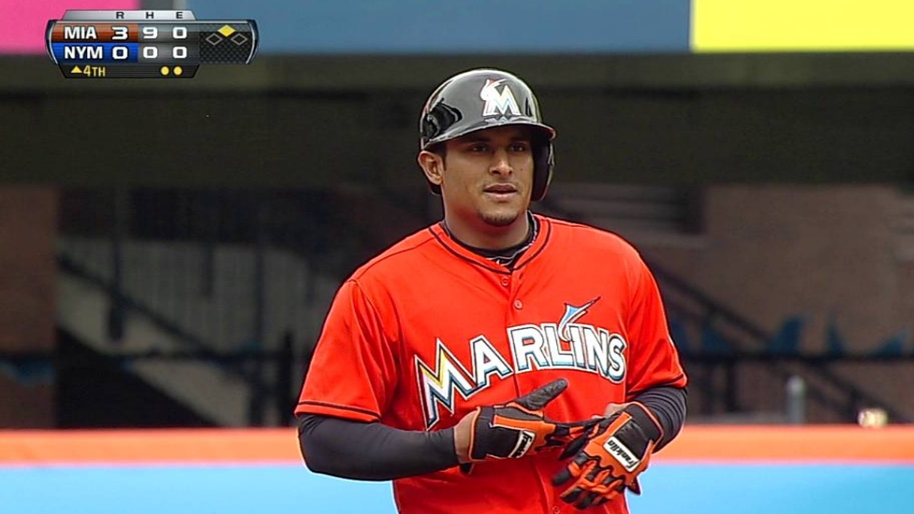 Marlins keeping tabs on Solano, Hechavarria
