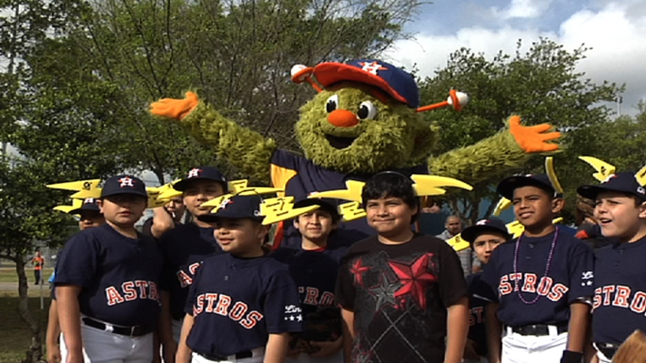 Astros celebrate renovation of Little League fields