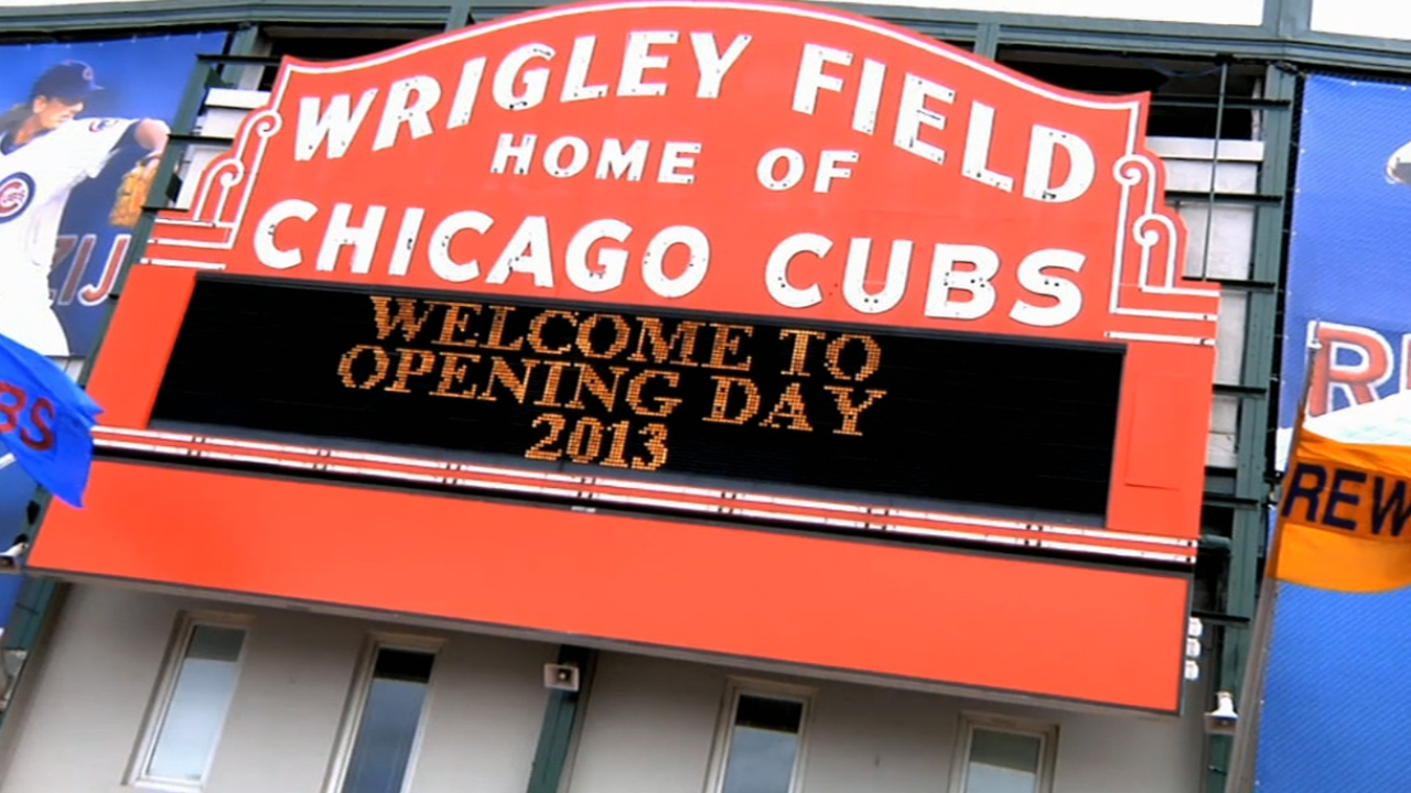 Renovate Wrigley without tearing down history