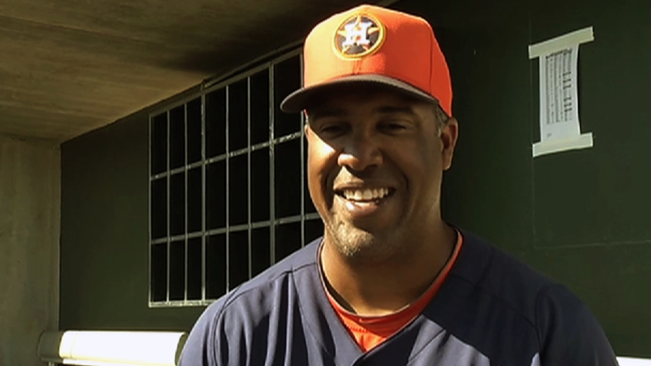 After Perez resigns, Brock hired as first-base coach