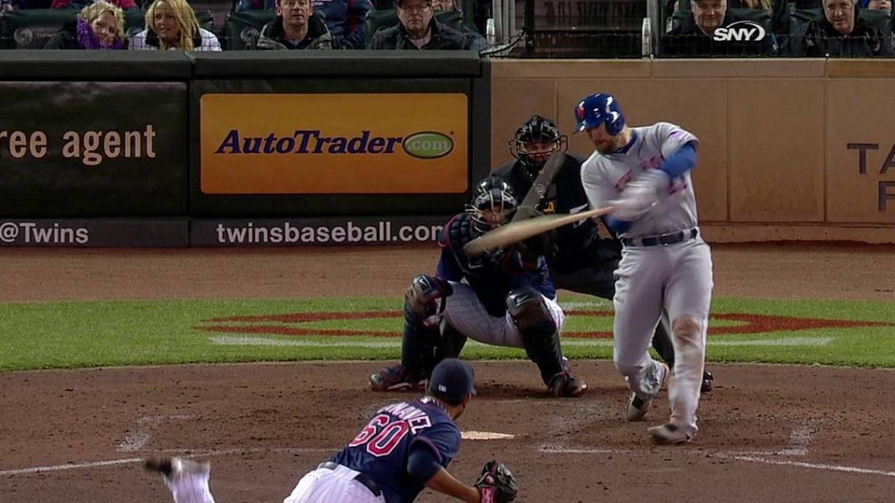 John Buck conecta Grand Slam en paliza de Mets