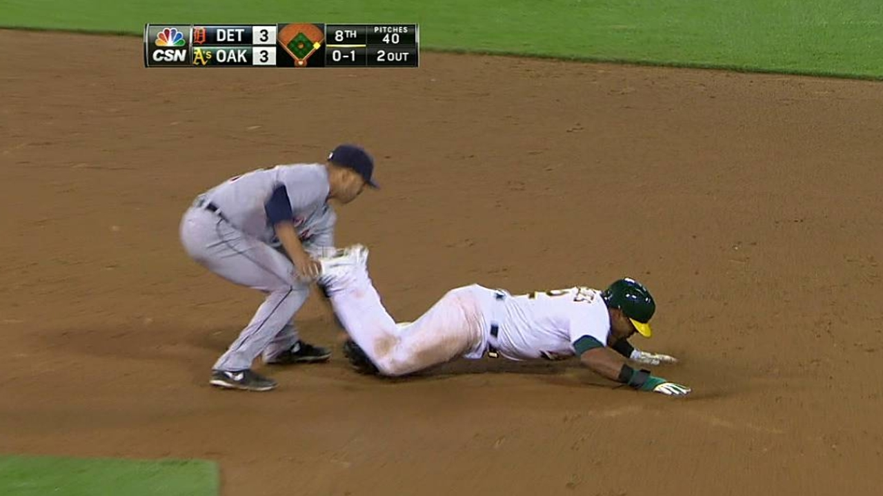 Cespedes, Crisp injured before A's walk off