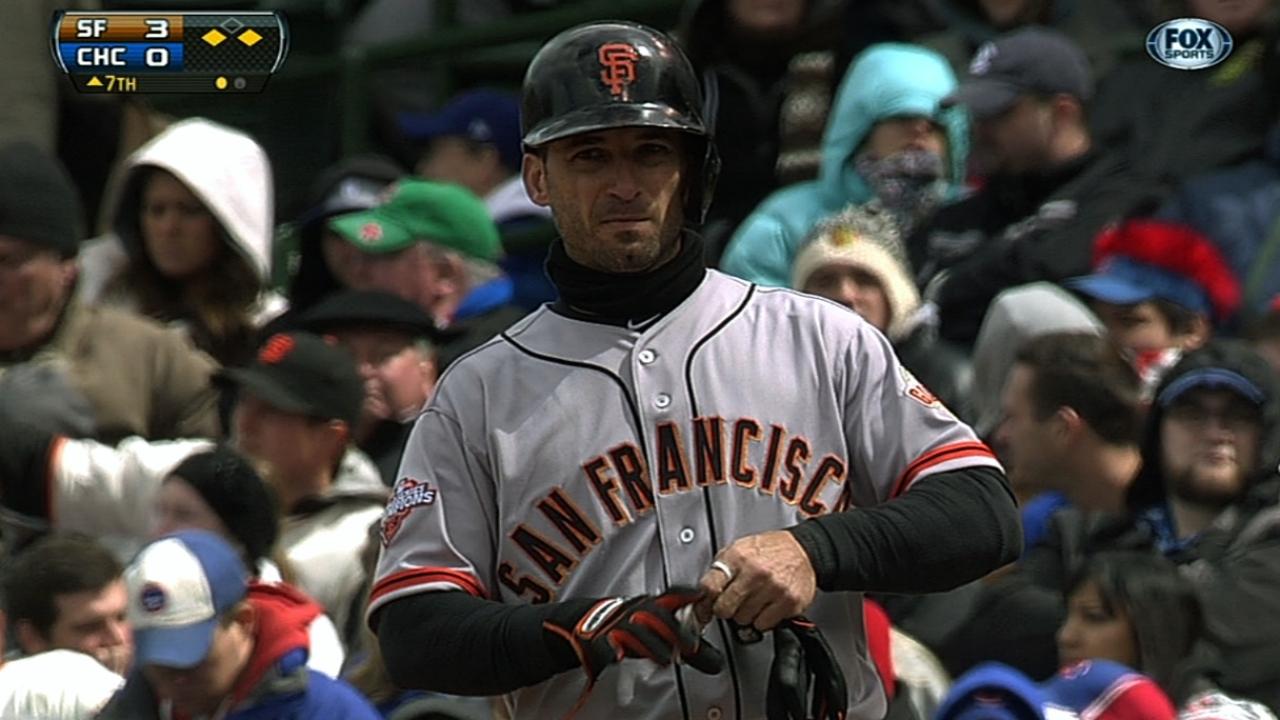 Scutaro, Bumgarner lead Giants past Cubs
