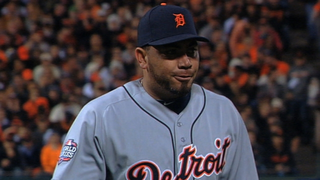 Tigers lean toward Benoit atop closer committee