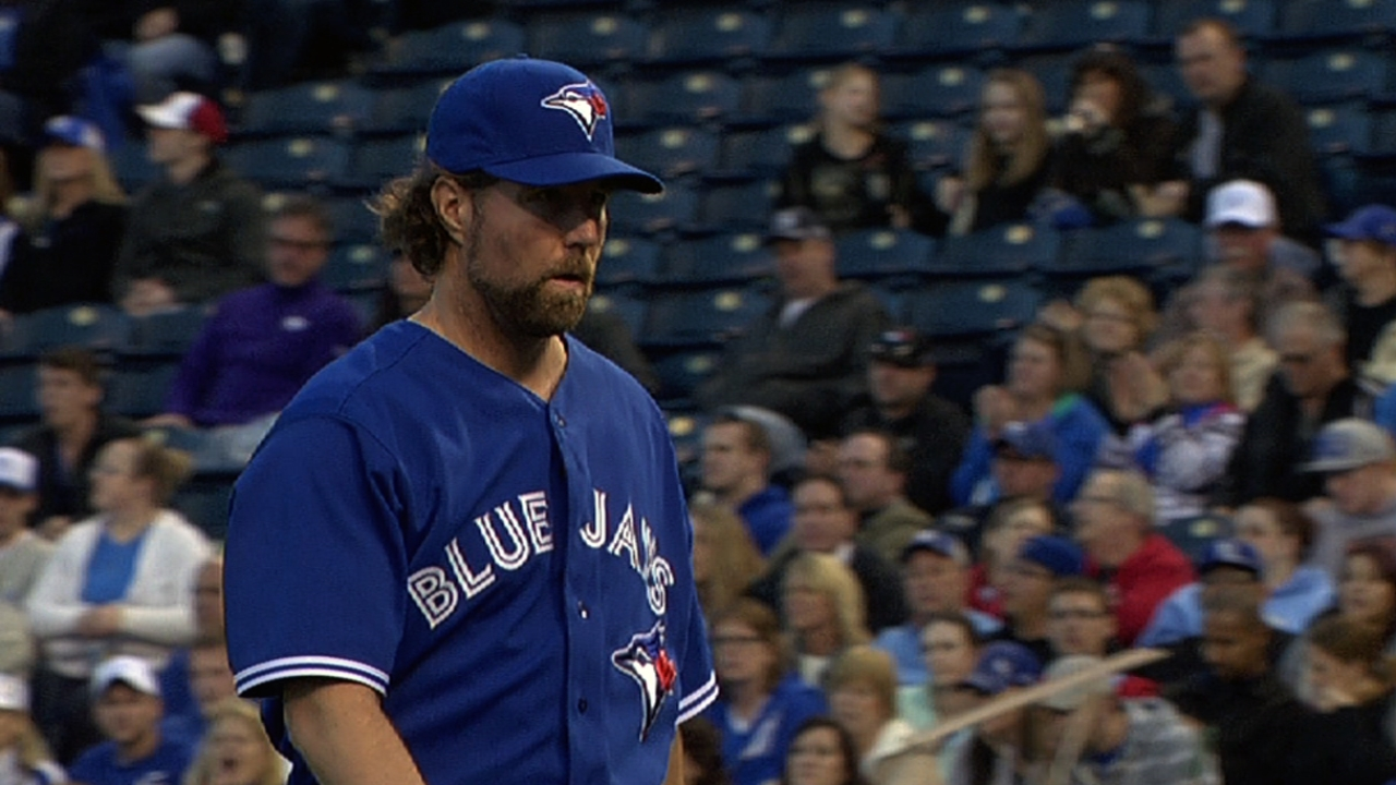 Dickey stymies KC for first win with Blue Jays