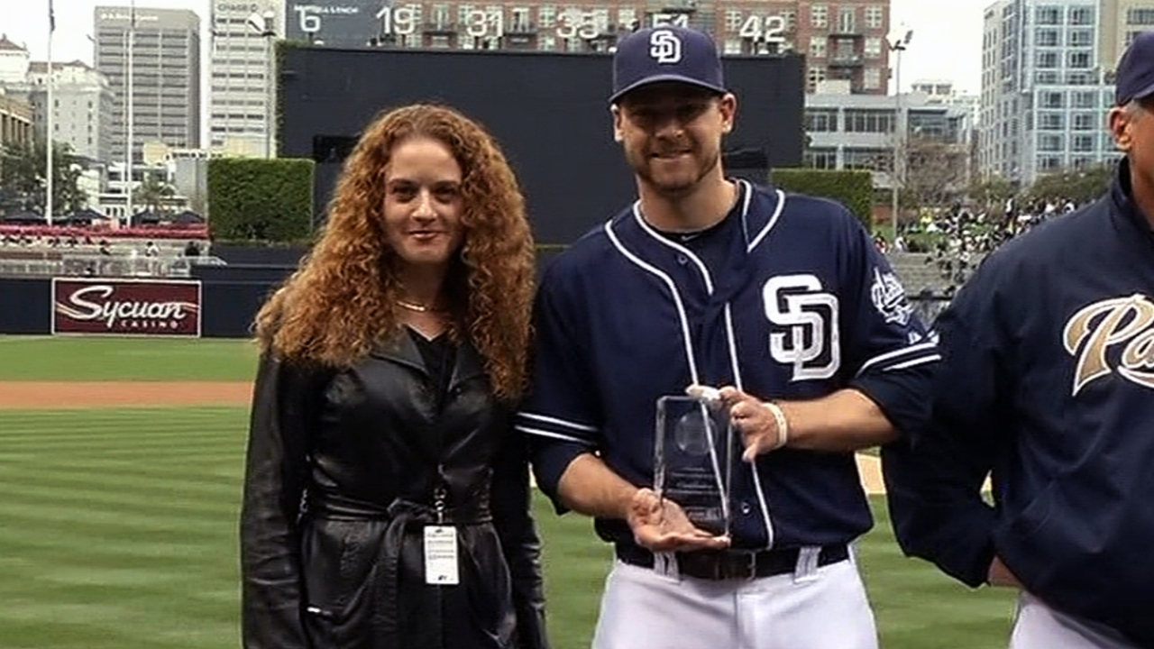 Headley returns to Petco to receive awards