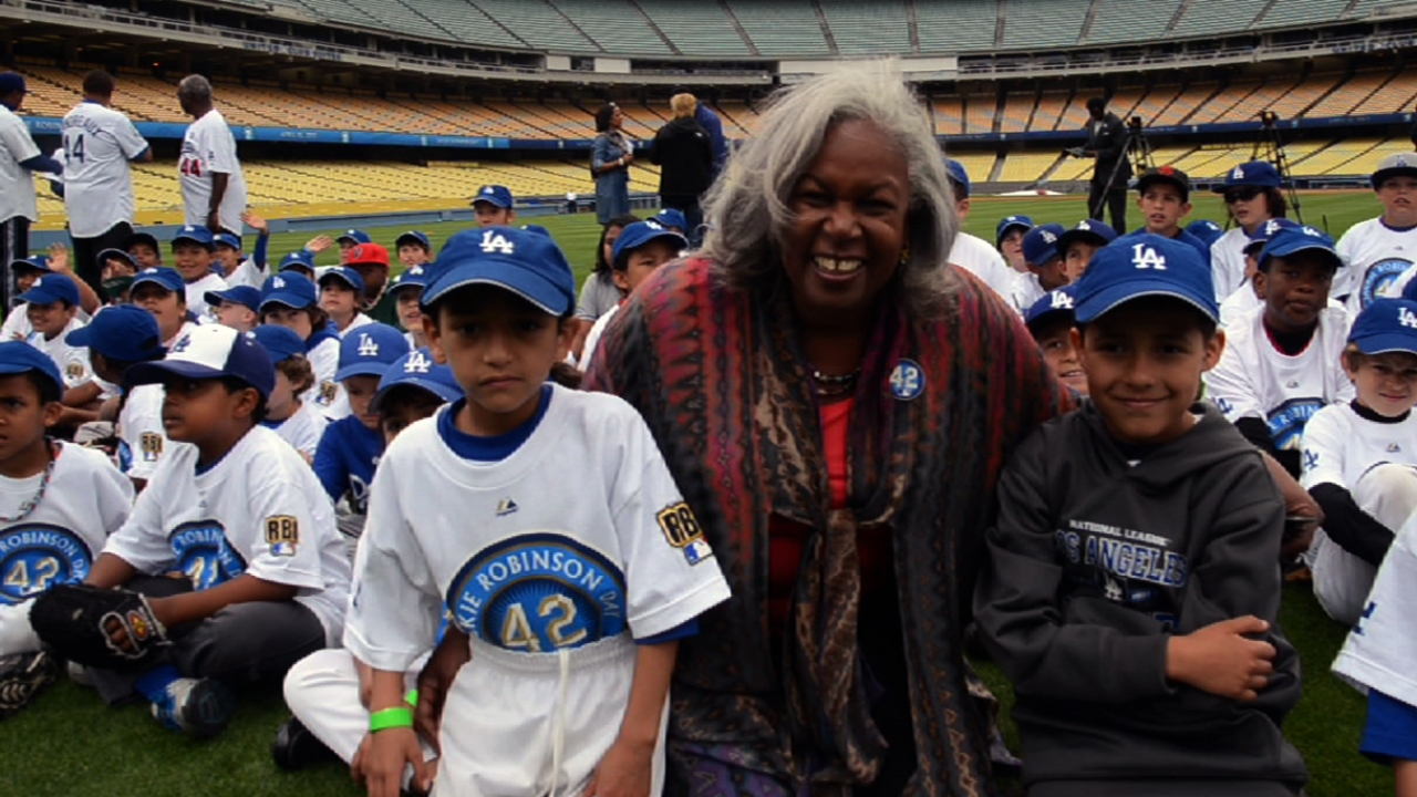 RBI youth share big league dreams at Dodger Stadium