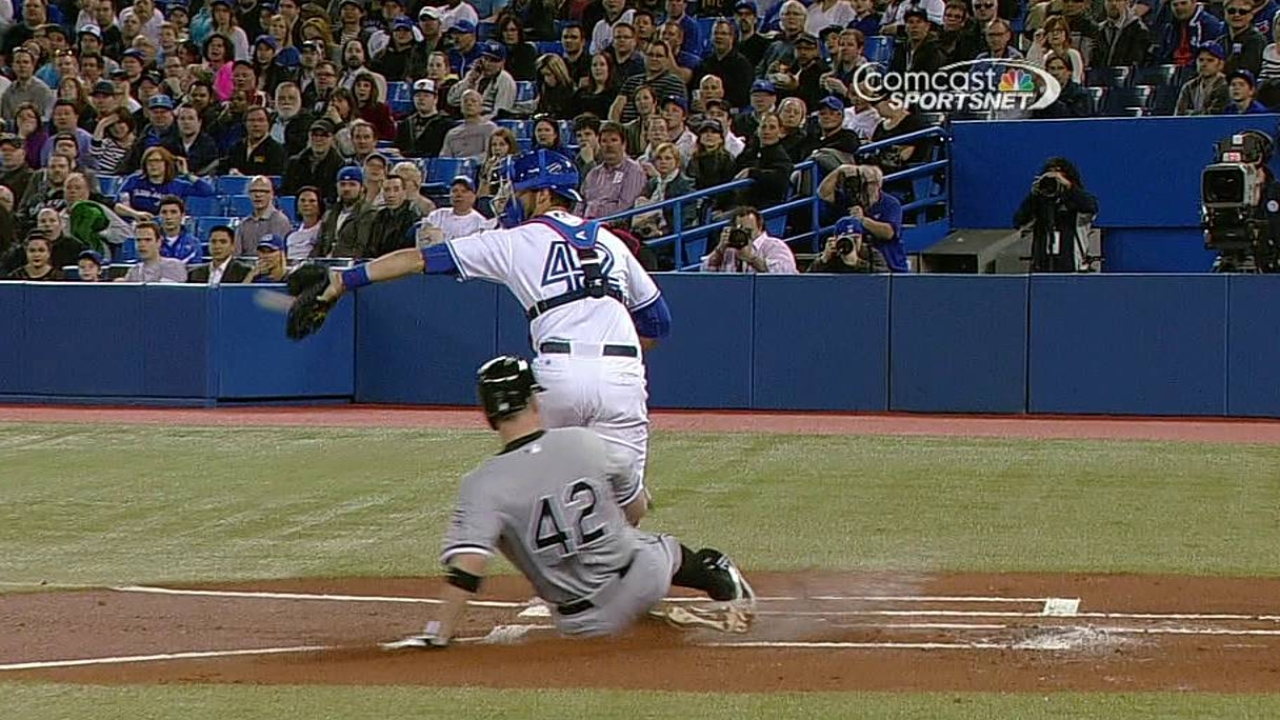 White Sox unable to get clutch hits against Buehrle