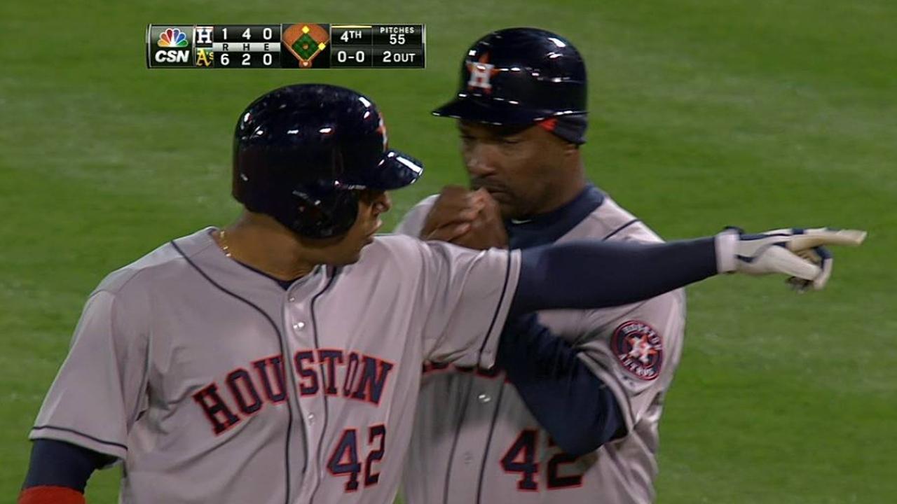 Bedard, Astros fueron víctimas de bates de Oakland