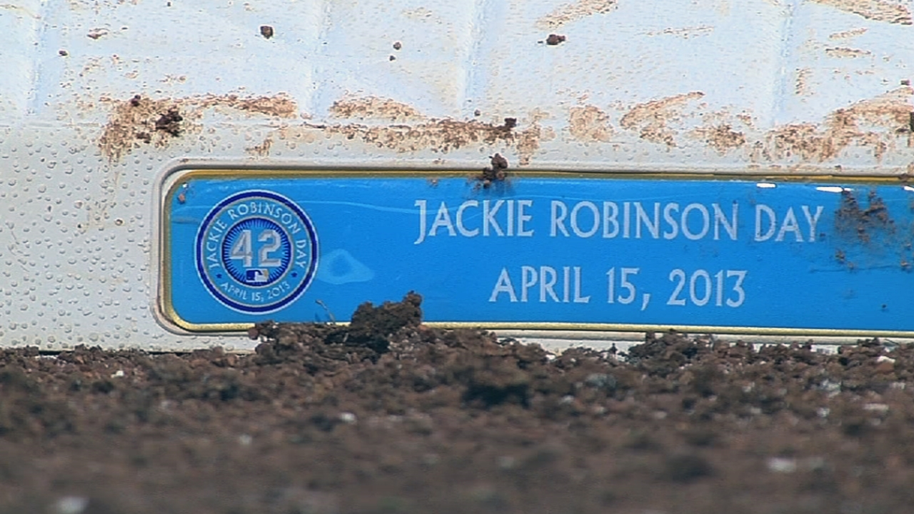 Rockies honor Jackie Robinson with No. 42