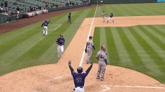 Helton, CarGo lead Rox to win in Game 1