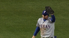 Gentry's grab saves day as Rangers stave off Cubs