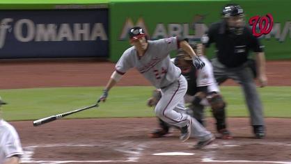 Suzuki hits a triple