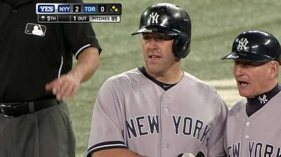Tight back forces Yanks to scratch Youkilis