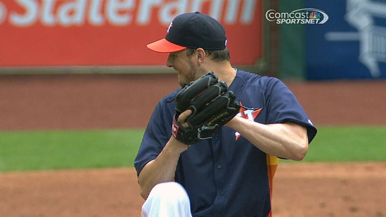 Astros move Bedard back into bullpen