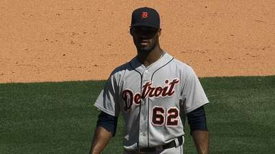 Alburquerque's strong outing shows improvements