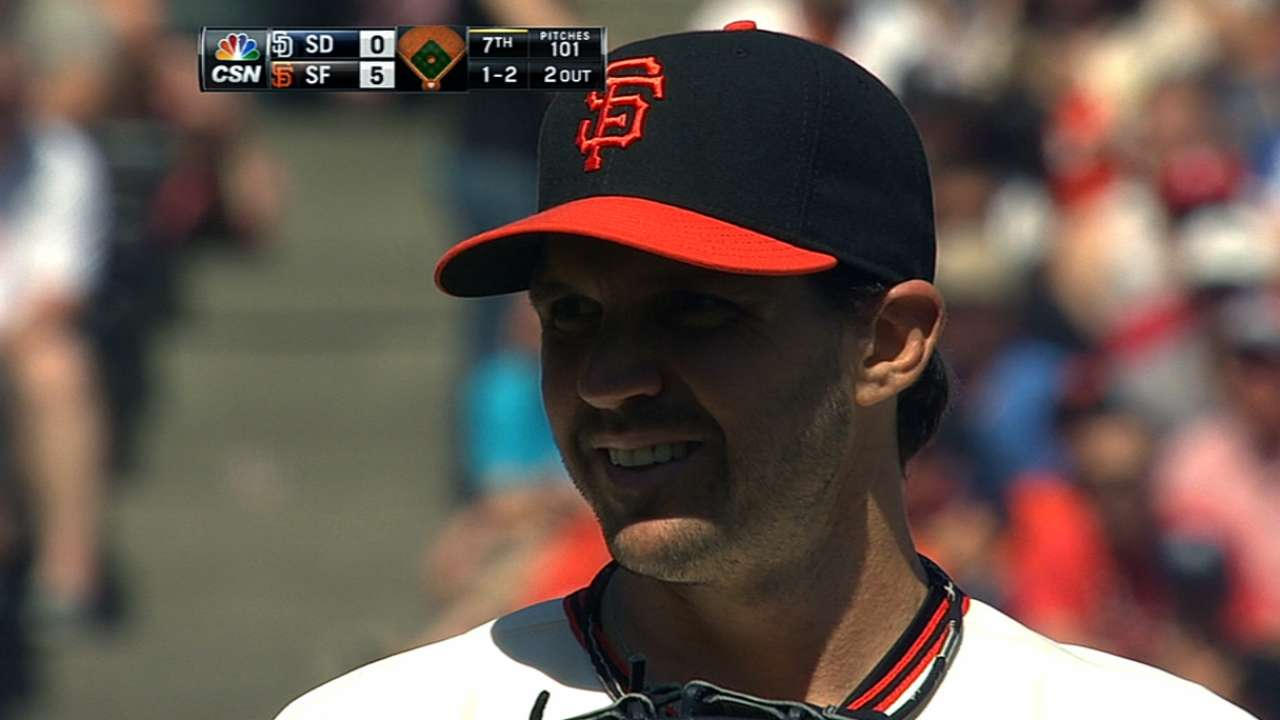 Dominant Zito leads Giants to sweep