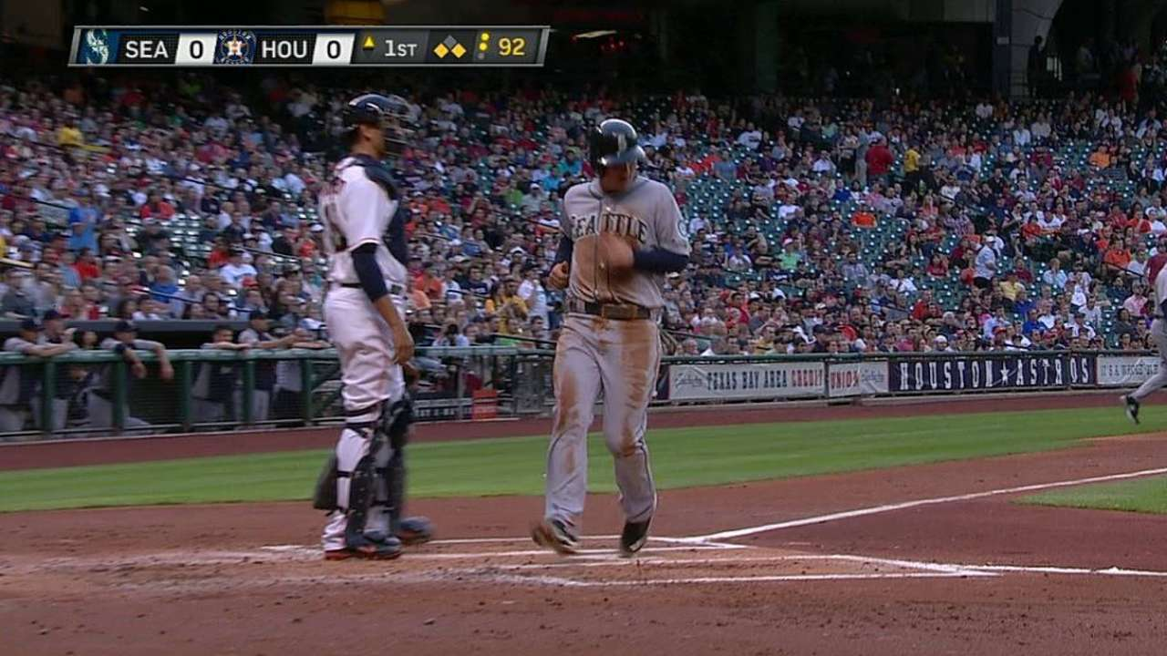 Smoak finds his stroke at plate against Astros