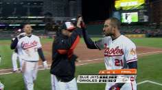 Markakis drives in bases-loaded winner in ninth