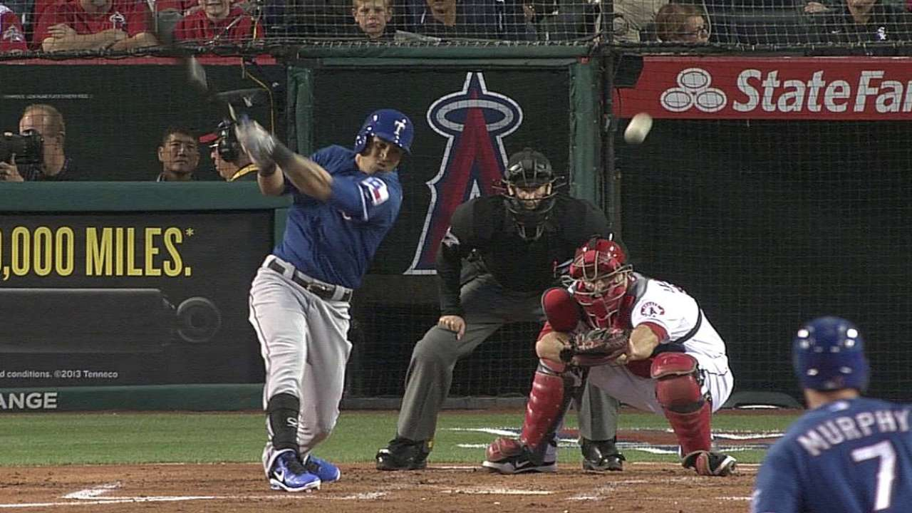 Pierzynski coronó regreso de Rangers en Anaheim
