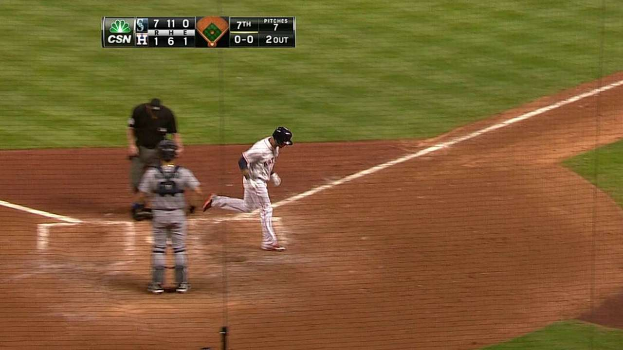 Bates de Astros maniatados por Félix en derrota