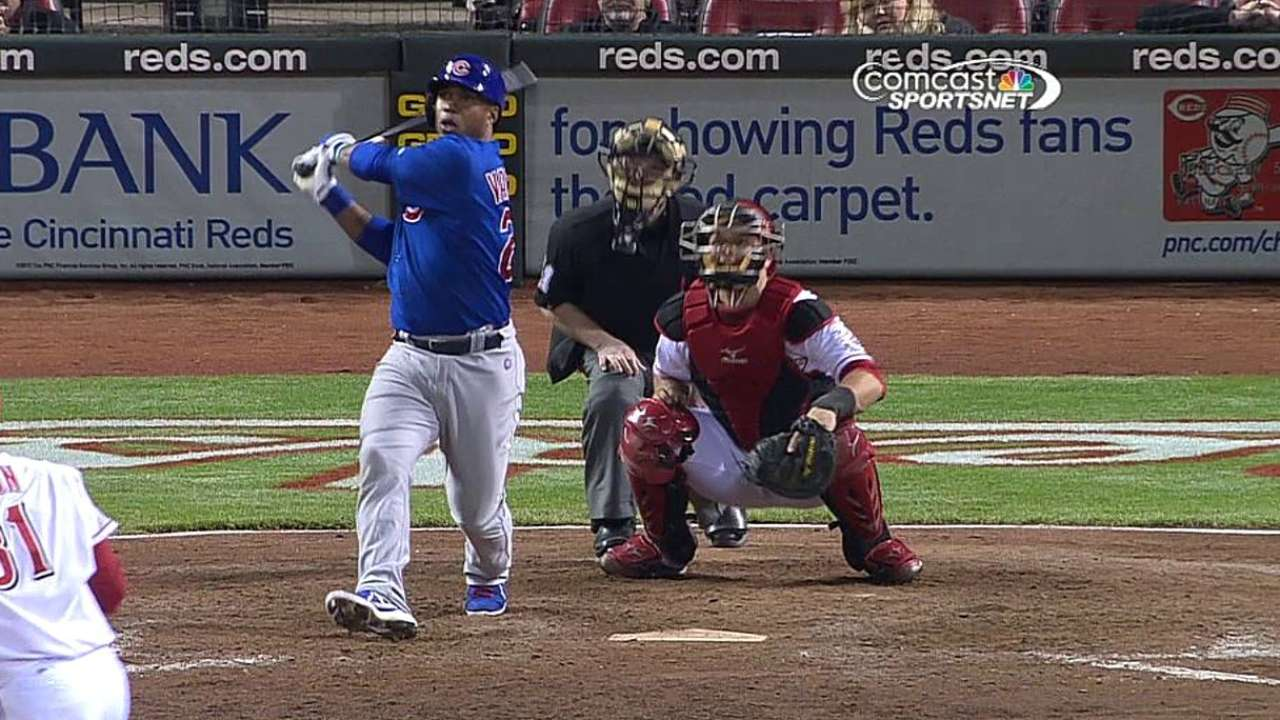 Valbuena's homer not enough; Cubs fall in extras