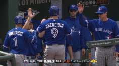 Blue Jays win in 11th after Davis' clutch throw