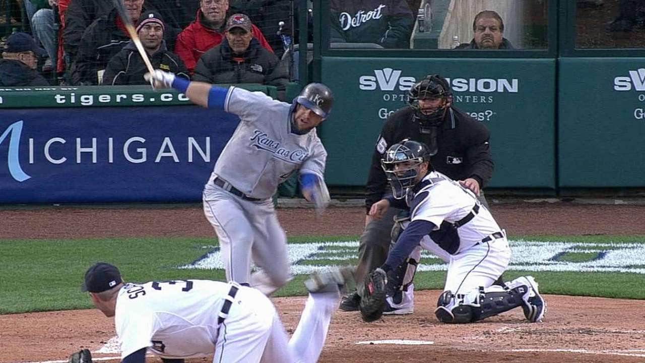 Royals overrun in first go-around with Tigers