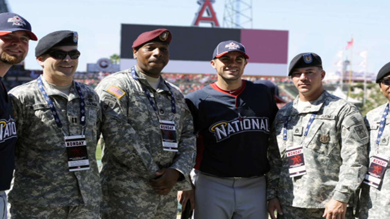 Baseball thanks veterans for their service
