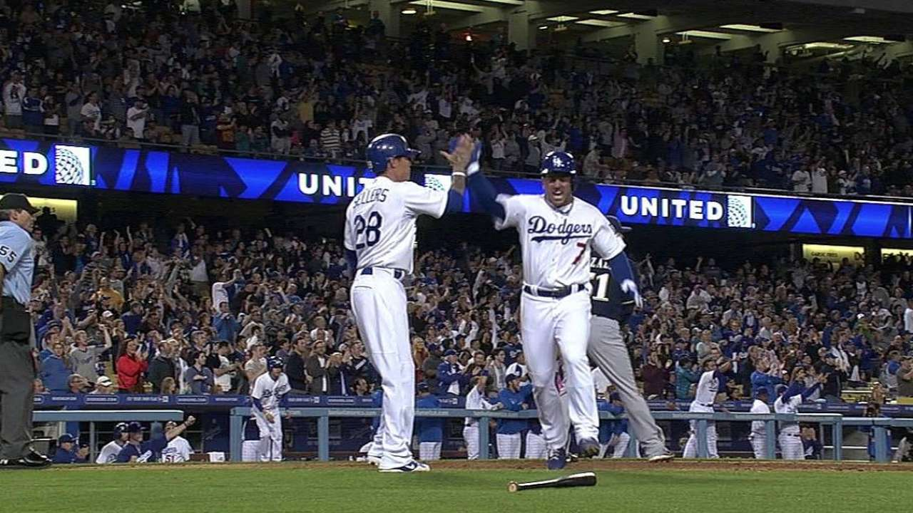 Gonzalez's double leads Dodgers to victory